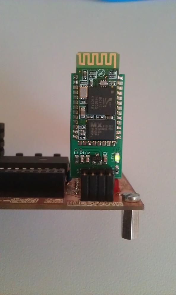 Bluetooth Module van Dwengo op de print gemonteerd