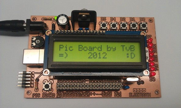 Microcontroller module met LCD scherm
